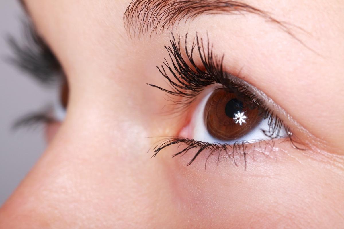 How To Grow Eye Lashes Naturally Bubzlife
